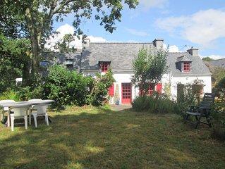 Maison de caractère,pen-ty breton proche de la mer ,au calme entouré de verdure