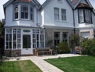 Seaside Victorian Property With Garden- Pet friendly