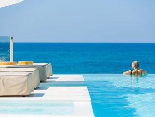 La Casa di Mare, luxury beach front Villa! Private pool, jacuzzi & sauna!