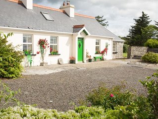 Accommodation adjacent to Cliffs of Moher overlooking Championship golf course
