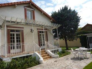 Charmante maison de famille dans banlieue calme à 30 mn du centre de  Paris