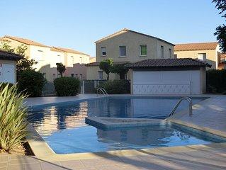 Villa T3 rénovée + Terrasse&Parking privés. Piscine, Commerces et Plage a 50m!