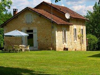Maison en pierre avec jardin au coeur du Périgord