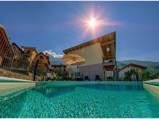 Villa con piscina privata, vista lago, aria condizionata, wi-fi, parcheggio