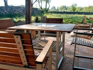 Maison de caractere dans un bel environnement et tranquilite garantie...