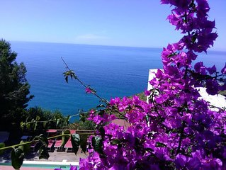 Splendida Villa con piscina privata e vista mozzafiato a Sperlonga, vicino Roma