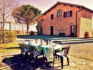 Tipica dimora toscana nel cuore della campagna a pochi minuti da Siena Toscana