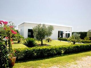 Confortevole Villa immersa nel verde vicino al mare, Torre dell'orso e Otranto