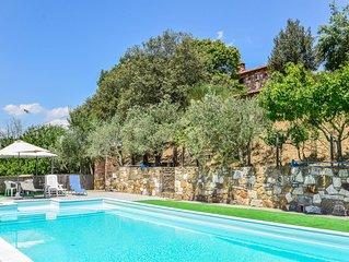 Villa with private pool, air conditioning near wineries at 3km from village