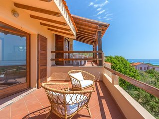 Villa con panorama mare, giardino, 1 min dalla spiaggia a Cala Liberotto, Orosei