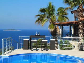 Luxuriose Villa mit Pool in Traumlage am Meer - Welcome to Paradise