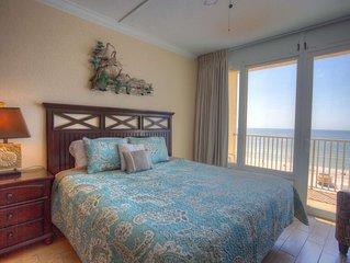 Top Floor Beachfront Studio Breathtaking Views. Newly Renovated & Fantastic Loca