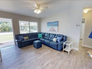 FISH TALES 3 BEDROOM PET FRIENDLY DUPLEX LOCATED IN THE VILLAGE OF CORTEZ