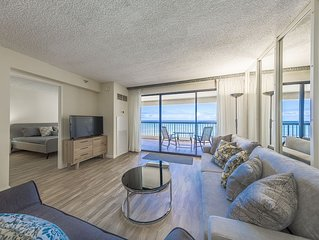 Newly Renovated Waikiki Beach Tower Condo w/ Breathtaking Ocean View !