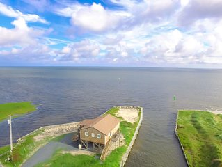 �️ Panoramic Sound Views, Boat Slip & Water Access in Buxton�