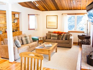 Cheerful Elkhorn Townhome with expansive Mountain views, Shared pool and Hot tub