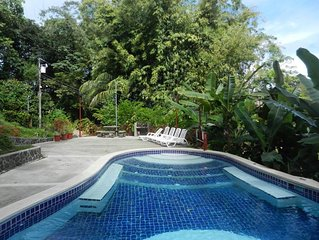 Eco-Condo Serviced Apartments in Quepos w/ Pool & Wildlife Visits!