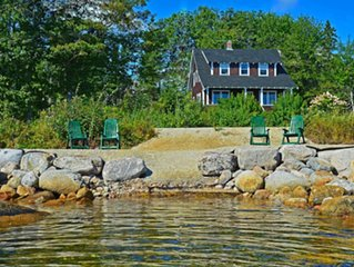 ST. MARGARET'S BAY 4BR HAVEN IN PRIME SAILING COMMUNITY IN HUBBARDS.
