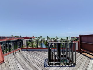 Pointe Santo C42: Penthouse Paradise with Rooftop Deck & Gulf Views to Match!