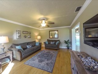 Paradise Retreat Offering 3/2 Private Home w/ Pool