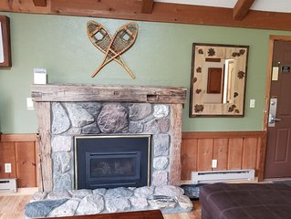 CRYSTAL MOUNTAIN CONDO (2nd floor)- Ski resort and spa on site!