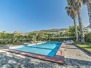 Villa Ginevra: Una splendida villa su due piani situata a pochi passi di distanz