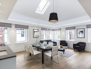 PICCADILLY CIRCUS - SOHO AREA - LOVELY 3BR 3BA FLAT IN THE HEART OF LONDON!