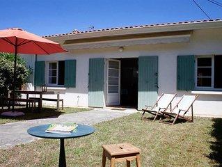 Charmante petite Maison Le Canon jardin ensoleille, proche plages&commerce