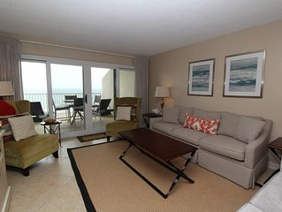 Sandy Key 825-Beach Front Views from Terrace with Luxurious Interior!