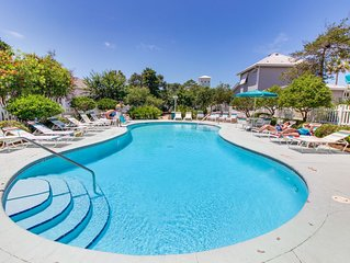 Family-friendly home w/shared pool - near attractions & beach