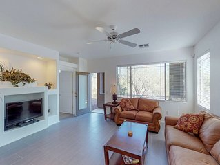 Dog-friendly condo w/ new furnishings, shared pool and hot tub!