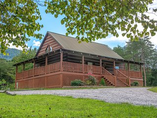 Peaceful lodge-style cabin surrounded by nature with private hot tub