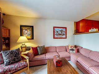 Ski-in/ski-out condo at the base of Dollar Mtn w/ shared pool and hot tub!