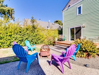 Dog-friendly home w/easy beach access - nearby dining, boat launch & golf