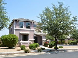 N. Phoenix Home- Located in a quiet gated neighborhood/ Sleeps 10!! Community Po