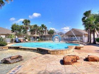 Palm Bay condo w/shared pool, 5 blocks to the beach, near waterpark- dogs ok!