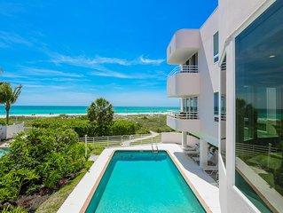 Beachfront condo with views for days! Paradise awaits you on Anna Maria Island!