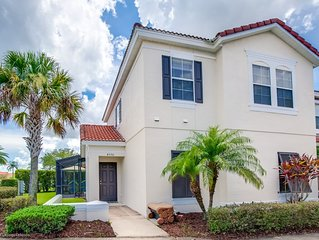 4 bed town home with full size pool Close to Disney