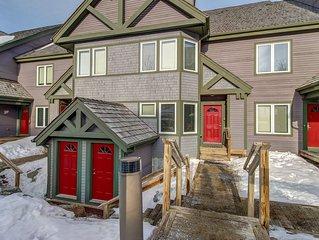 Ski-in/ski-out Jay Peak Resort condo near water park, ice skating, & hiking!