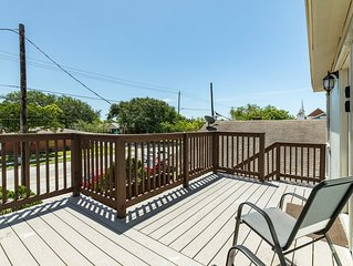 Dog-friendly upstairs unit w/ large deck, views & enclosed backyard