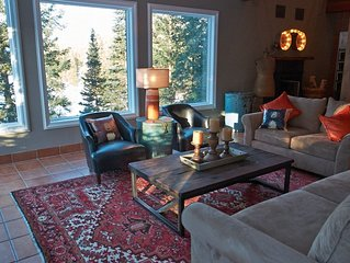 Lakeside Home w/Stunning Views, Private Hot Tub, Game Room, Only 2 Miles to Purg