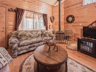 Moose Manor, 3 Bedrooms, Sleeps 6, Wood Stove, Gas Grill, WiFi