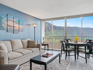 Oceanview condo with shared pool, peaceful location near forest, golf, and more