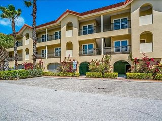 Updated 2BD, plus den, 2BA ~ HEATED POOL/SPA & Directly across from beach!
