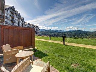 Modern condo w/ beautiful views of the Cascades.