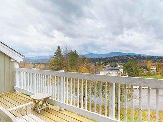 Charming condo near slopes w/ mountain view plus pool, hot tub, & fitness room