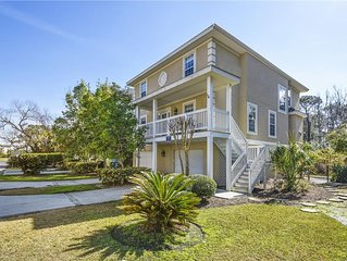 Beautiful Near Ocean Home w/ Private Pool, Easy Beach Access & Great Location
