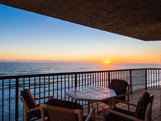 Oceanfront condo w/ shared pools, hot tubs, & beach access - snowbirds welcome!