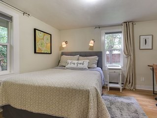 Dog-friendly home in the heart of town - walk to lake & golf