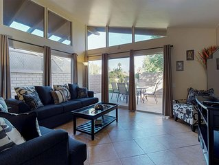 Desert condo with shared pool  - walk to Coachella festival grounds!